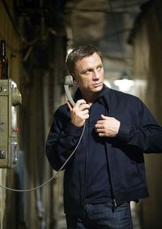 Daniel Craig as James Bond in Quantum of Solace. By N@ruto Kaari$