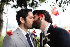 star-trek-gay-kiss