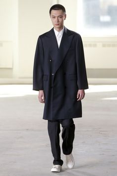 The complete Duckie Brown Fall 2016 Menswear fashion show now on Vogue Runway. Mens Fashion Week, Fashion Show, Men's Fashion, Fall Collections, Men's Collection, Mens Suits, Gq, Cool Outfits, Autumn Fashion