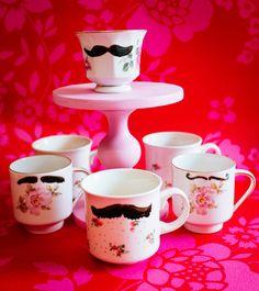 DIY: vintage theekopjes met porseleinverf beschilderen 3- http://www.galerie-lucie.n/- DIY painting teacups