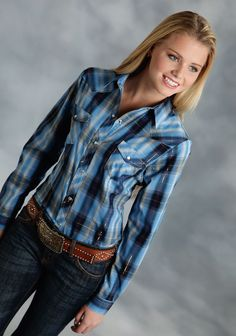 Roper® Women's Multi-Blue Plaid Long Sleeve Snap Western Shirt