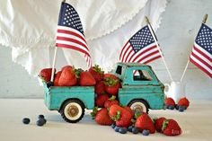 4th of July Vintage truck Strawberries  Flags