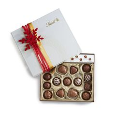 Signature Specialties Holiday Ivory Gift Box | Lindt #GiveLindt #Contest