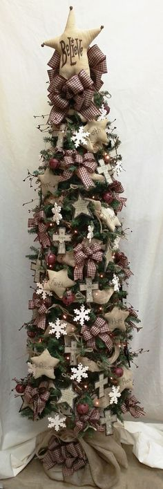 Primitive Star Christmas Tree via BenFranklin: