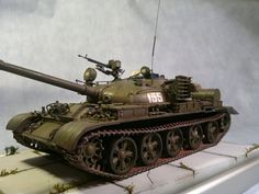 Maquette Revell, T 62, Military Vehicles, Model Kits, Tanks, Diy, Bricolage, Army Vehicles, Shelled