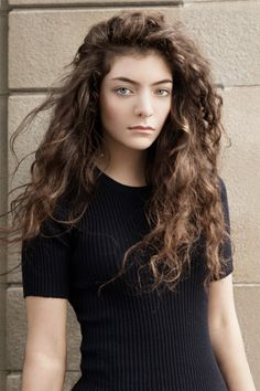 Lorde. (Last FM.com) http://userserve-ak.last.fm/serve/500/93466363/Lorde+Elle+Magazine.png