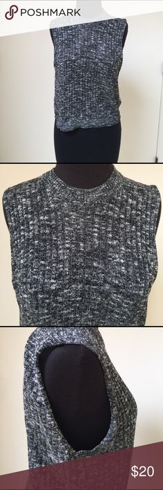 H&M Loose Knit Tank Great layering piece. Purchased in Barcelona. Very lightweight. Make an offer! H&M Tops