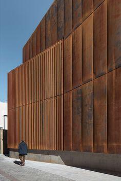 "ofijas: "" ARQUITECTURIA | JOSEP CAMPS & OLGA FELIPLAW COURT IN BALAGUER """
