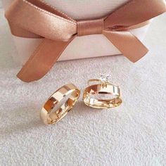 Wedding Ring Sets Unique, Wedding Rings Simple, Beautiful Wedding Rings, Wedding Rings For Women, Vintage Style Rings, Wedding Rings Vintage, Diamond Wedding Rings, Engagement Ring Photos, Rose Gold Engagement Ring