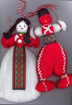 Martenitsa. Yarn Crafts, Diy And Crafts, Arts And Crafts, Japanese Ornaments, International Craft, Yarn Dolls, Wedding Mugs, Finger Knitting, Christmas Ornaments To Make