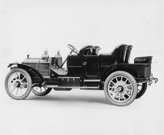 1909 Packard 30 Model UB close-coupled no top, 4-cylinder, 30-horsepower, 123.5-inch wheelbase, fitted with bucket type rear seats & single panel tonneau door