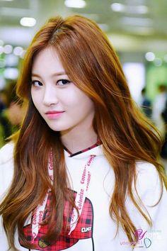 Reject the Binary : Photo Kpop Girl Groups, Korean Girl Groups, Kpop Girls, Ulsan, Korean Beauty, Asian Beauty, Kim Ah Young, Girl's Day Yura, Girl Sday