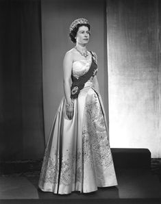 This year, Queen Elizabeth II, Britain's longest-reigning monarch turned To celebrate, take a look back at 94 of her best fashion moments through the years. Young Queen Elizabeth, Elizabeth Of York, Princess Elizabeth, Princess Diana, Queen Elizabeth Portrait, Queen 90th Birthday, Royal Queen, Isabel Ii, Her Majesty The Queen