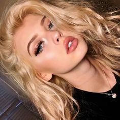 Find images and videos about hair, makeup and loren on We Heart It - the app to get lost in what you love. Grey Makeup, Beauty Makeup, Hair Makeup, Hair Beauty, Blonde Beauty, Loren Grau, Pretty Face, Hair Inspo, Makeup Inspiration