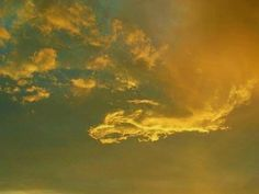 See related links to what you are looking for. Angel Clouds, Sky And Clouds, Beautiful Moments, Life Is Beautiful, Natural Phenomena, Cool Landscapes, Science And Nature, Mists, Photo Art