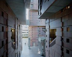 Gallery - A Utopian Dream Stood Still: Ricardo Bofill's Postmodern Parisian Housing Estate of Noisy-le-Grand - 6