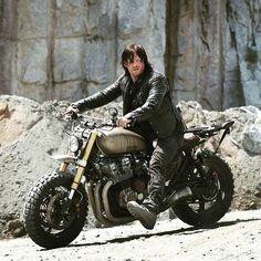 "3,843 Likes, 72 Comments - www.HondaCafeRacers.com (@hondacafe_racers) on Instagram: ""Any walking dead fans? Check out Darlys Honda Cb750 (link in BIO) . . . . #caferacer #hondacb…"""