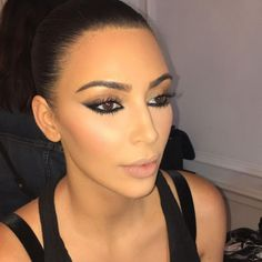 Love this reverse smokey eye by @makeupbymario