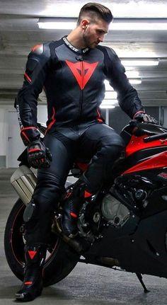 Ducati Motorbike, Motorbike Leathers, Motorcycle Suit, Motorcycle Leather, Biker Leather, Motocross Outfits, Biker Photoshoot, Motard Sexy, Mens Leather Pants