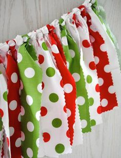 Red, green and white fabric tie garland. The perfect touch for your Christmas party or holiday decorations. My garlands are very full and neatly hand-tied. And, they are reusable! Just drape from a ha (Christmas Party Mix) Grinch Christmas Decorations, Christmas Party Table, Christmas Bunting, Christmas Themes, Christmas Crafts, Christmas Colors, Work Christmas Party Ideas, Cheap Christmas, Handmade Christmas
