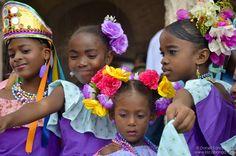 https://flic.kr/p/bDZ8g6 | Niñas Congo | Primer Festival de la Pollera Congo, Portobelo, provincia de Colón, Panamá.
