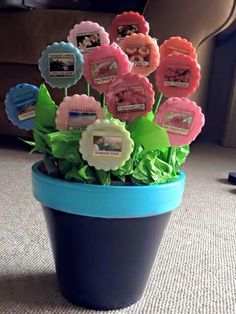 Nice gift idea for any occasion | Flower shaped meltables | candles | DIY basket