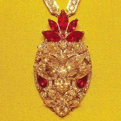 theryuster#bulgari #serpenti #necklace #highjewelry #diamonds #rubies #spectacular