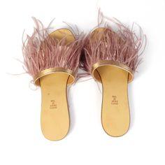 Sabotii de dama Mineli Feathers au talpă din piele naturală, bareta din piele laminată și… Boutique, Slip On, Sandals, Shoes, Fashion, Moda, Shoes Sandals, Zapatos, Shoes Outlet