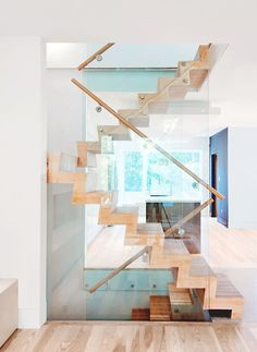 Broadview House - Picture gallery #staircase