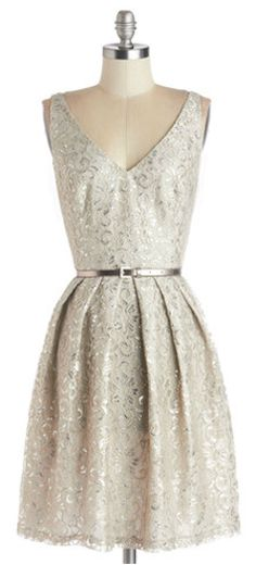 Beautiful dress http://rstyle.me/n/cpbjcnyg6