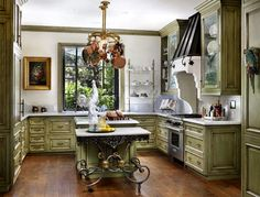 Interior designer Linda Floyd. Bernard Andre Photograhy
