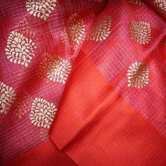 available exclusively on www.india1001.com Hand crafted textiles and ethnic wear. #india1001 #fashiondiaries #handloom #indianwear #handloomsarees #textile #ilovehandlooms #makeinindia #textilelovers #IWearHandloom #saree #indianweaves #indianwedding #loveforsaree#indian#shibori #sari#silk#dupatta #ethnicfashion #ladiesfashion #ethnicwear #CottonIsCool Organza Saree, Silk Dupatta, Handloom Saree, Silk Sarees, Sari Silk, Saris, Ethnic Fashion, Womens Fashion, Silk Saree Blouse Designs