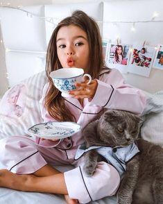 Cute Kids Photos, Cute Baby Pictures, Kids Girls, Little Girls, Baby Kids, Cute Family, Baby Family, Beautiful Children, Beautiful Babies