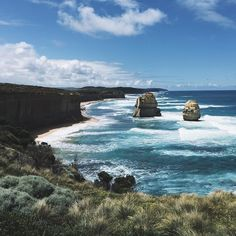The Twelve Apostles- Great Ocean Road - VIC-Australia...#beautiful #beauty #nature #wave #water #seashore #waves #clouds #ocean #cloudporn #sun #sky #instagood #greatoceanroad #greatoceanroadtrip #vscocam #vscogood #vsco by khanh_phi_nguyen
