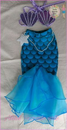Disney Costumes and DIY Ideas for Halloween Mermaid Birthday Outfit, Mermaid Birthday Cakes, Little Mermaid Birthday, Little Mermaid Parties, The Little Mermaid, Girl Birthday, Mermaid Halloween Costumes, Mermaid Costume Kids, Couple Halloween