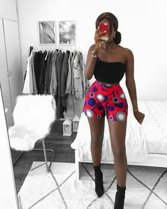 There are a lot of different African print clothing in the market that are easy to get. African Print Clothing, African Print Dresses, African Print Fashion, Africa Fashion, Fashion Prints, Modern African Fashion, Women's Fashion, African Clothes, Fashion Videos