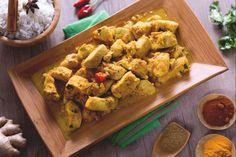 Il pollo al curry è una ricetta indiana semplice da preparare, un piatto esotico dal gusto deciso grazie alla presenza del curry, miscela di spezie!