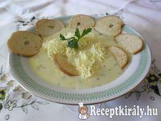 SajtkrémlevesHozzávalók:2-3 tömlős sajt 1 kis fej vöröshagyma vajas rántás…