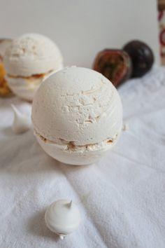 Sphères meringuées à la mangue & fruit de la passion façon pavlova. Bataille food #31