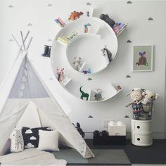 spiral shelf, great way to display anything and everything! #estella #kids #decor