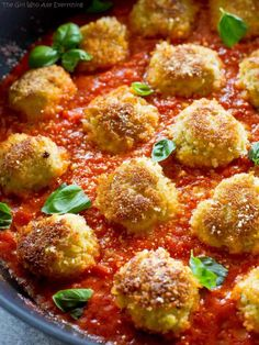 These Chicken Parmesan Meatballs are an Italian dinner that are ready in a snap. Seasoned meatballs with Panko crumbs for that crunch you crave with Chicken Parmesan. Serve over noodles with garlic bread and a salad for a delicious dinner. Pasta Dishes, Food Dishes, Main Dishes, Chicken Parmesan Meatballs, Ground Chicken Meatballs, Chicken Parmesean, Meatballs 2, Healthy Chicken Parmesan, Cooking Recipes