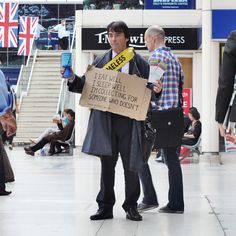 Activism - The Passage - Our mission is to provide resources which encourage, inspire and challenge homeless people to transform their lives - http://www.passage.org.uk - HomeLess, HomeLessNess, Sans Abris, Obdachlos, Senza Dimora, Senza Tetto, Poverty, Pobreza, Pauvreté, Povertà, Hopeless, JobLess, бідність, Social Issues, Awareness