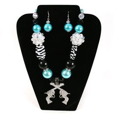 Cowgirl Bling Ranch, LLC - Chunky Bead Double Pistol Necklace