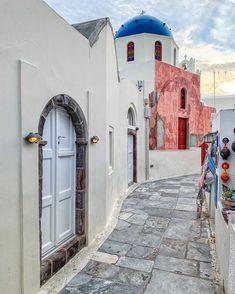 "George Kormpos 🇬🇷 sanoo Instagramissa: ""Check my accounts ⤵️ Follow @ALLURING_WINDOORS @ALLURING_CITYSTREETS @ALLURING_GREECE and @ALLURING_ISLANDS #wu_Greece #greeceshotz…"" Santorini Greece, Mykonos, Check My Account, Paros, Greece Travel, Islands, Tropical, Photo And Video, Instagram"