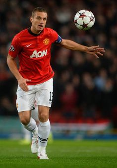 Nemanja Vidic now leaving Manchester United for the Italian club Inter Milan Manchester United Wallpaper, Manchester United Legends, Manchester United Players, Fifa, My Dream Team, Premier League Champions, Retro Football, Best Club, Football Pictures