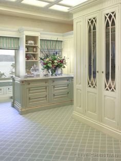 Clive Christian Victorian Dressing Room in Antique Cream