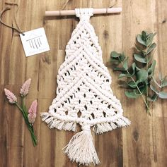 38 отметок «Нравится», 1 комментариев — Mountains Macrame (@mountainsmacrame) в Instagram: «Gorgeous macrame Christmas trees available now @wildbotanicblooms . Grab a gorgeous bunch of…»