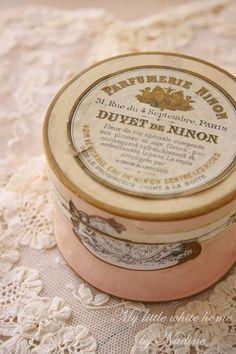 French powder box