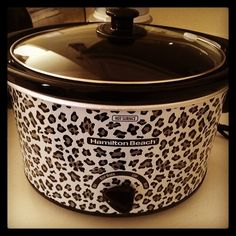 I need this!! <3 Leopard in the Kitchen...A MUST!!!