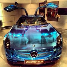Mercedes E-Drive SLS - mesmerising paint job love this so much...#gullwing...x